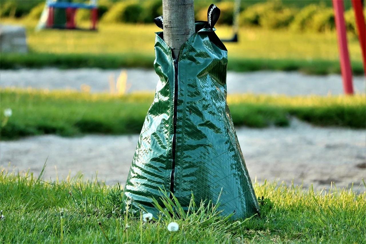 Bewässerungssäcke für Bäume